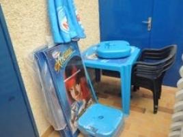 Tables et chaises en plastique