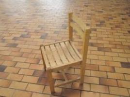 Six chaises en bois