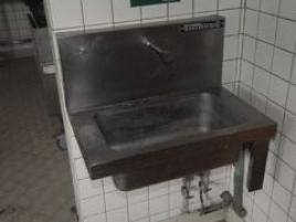 Lave-mains pieds